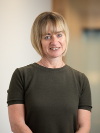 Associate Professor Jo Robinson picture